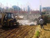 بالصور.. محافظ سوهاج : إزالة 11 حالة تعدى على الأراضى الزراعية بجزيرة شندويل