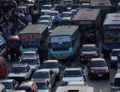 زحام مرورى فى شارع البحر الاعظم بسبب حادث تصادم سيارة نقل وأتوبيس