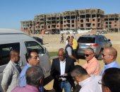 """وزير الإسكان يتفقد المرحلة الثالثة من مشروع """"دار مصر"""" بـ6 أكتوبر"""