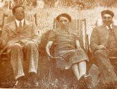 تعرف على حكاية صورة نادرة تجمع بين توفيق الحكيم وطه حسين وزوجته منذ 1936