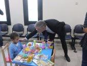 بالصور.. السفير الألمانى يزوز مستشفيى زراعة الكلى والأطفال بالمنصورة