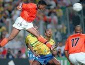 جول مورنينج.. كلويفرت يصعق الأرجنتين فى كأس العالم 98