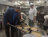 جامعة عين شمس: نقدم وجبات غذائية لـ4500 طالب بالمدن الجامعية يوميًا
