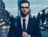 متفرحش بنفسك.. دراسة تؤكد: الأشخاص الذين يتمتعون بجاذبية فرصهم أقل بالعمل