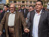 """بالفيديو والصور..رئيس جامعة عين شمس يفتتح معرض """"صنع بفخر فى مصر"""""""