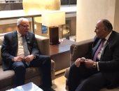 سامح شكرى يبحث مع وزير خارجية فلسطين سبل إحياء عملية السلام بالشرق الأوسط