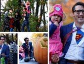 """رئيس وزراء كندا يحتفل مع عائلته بـ""""الهالوين"""" بزى """"سوبر مان"""""""