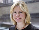 جارديان: أسر تلاميذ تعرضوا للتحرش من أقرانهم يهددون بمقاضاة وزيرة بريطانية
