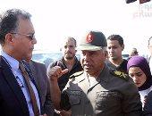 بالصور.. وزير النقل: نسيطر على الحمولات الزائدة بالطرق عقب انتهاء الدائرى الإقليمى