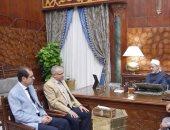 الإمام الأكبر يلتقى رئيس جامعة الأزهر ونوابه الجدد بعد صدور قرار تعيينهم