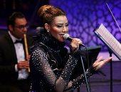 """أميمة طالب تطرب جمهور الموسيقى العربية بـ""""لامونى اللى غاروا منى"""""""