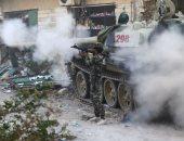 الجيش الليبى يستهدف دبابة للجماعات الإرهابية بمحور الظهر الحمر فى درنة