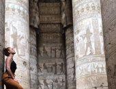 """بالصور.. """"زوليكا ريفيرا"""" بطلة أغنية ديسباسيتو فى جولات سياحية بمصر"""
