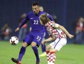 اليونان تبحث عن معجزة لبلوغ كأس العالم أمام كرواتيا
