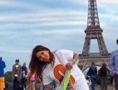 """زينة تنشر صورة لها من باريس برفقة أطفالها: """"مع عائلتى الجميلة"""""""