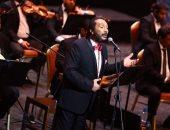 اليوم.. على الحجار نجم الليلة السابعة من مهرجان الموسيقى العربية