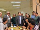 رئيس جامعة المنصورة يتفقد المدينة في زيارة مفاجئة