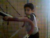 """6 سنوات طريح الفراش.. """"محمود"""" مصاب بضمور فى المخ ولا يطلب سوى """"العلاج"""""""