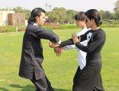 """مدرب """"كونج فو"""" يتبنى مبادرة لتدريب الفتيات على الدفاع عن النفس.. صور"""