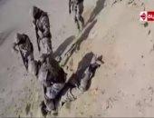 عماد اديب يعرض لقطات حية للحظة القبض على الإرهابى الأجنبى بالواحات
