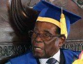 أول ظهور علنى لرئيس زيمبابوى بعد استيلاء الجيش على السلطة