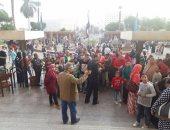 المصريون يحتفلون بعيد الفطر فى المتحف المصرى بالتحرير