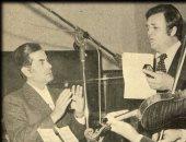 """صورة.. فريد الأطرش مع فهد بلان أثناء تسجيل أغنية """"وشوى شوى"""""""