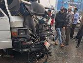 """""""الصحة"""": إصابة 13 مواطنًا فى حادث انقلاب ميكروباص بسوهاج"""