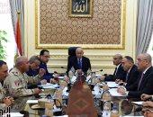 رئيس الوزراء يبحث موقف الخدمات العامة وتلبية متطلبات الأهالى بجزيرة الوراق (صور)