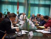 محافظ القليوبية يعقد اجتماعا لمتابعة حملات إزالة التعديات على نهر النيل