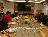 أشرف الشرقاوى يلتقى وزيرة صناعة المنسوجات الهندية لبحث التعاون المشترك
