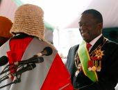 رئيس زيمبابوى الجديد يدعو إلى التمسك بالسلام حتى الانتخابات المقبلة