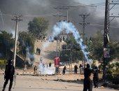 صور.. مقتل شرطى وإصابة 150 شخصا خلال تفريق اعتصام فى باكستان