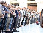 المئات يؤدون صلاة الغائب فى الجامع الأزهر على أرواح شهداء مسجد الروضة