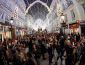 صور.. أضواء عيد الميلاد تزين جنوب إسبانيا مع بدء الاحتفال برأس السنة
