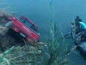 إصابة سائق فى حادث انقلاب سيارة نقل محملة بالدواجن فى إحدى ترع البحيرة