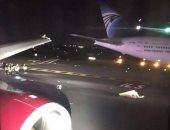 صور.. طائرة إنجليزية تصطدم بطائرة مصر للطيران فى مطار جون كيندى
