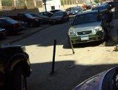 قارئ يطالب بمنع وضع حواجز حديدية على الأرصفة بمدينة نصر