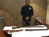 القبض على صاحب محل يتاجر فى الأسلحة وبحوزته بندقيتين خرطوش بمدينة نصر