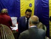 صور.. طارق سعيد يدلى بصوته قبل غلق باب التصويت فى الترسانة