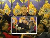أعضاء الأهلى يزفون محمود الخطيب داخل مقر النادى