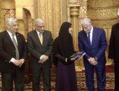 محافظ جنوب سيناء يكرم 10 من حفظة القرآن الكربم فى شرم الشيخ