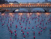 صور.. انطلاق مسابقة التجديف على نهر السين فى باريس
