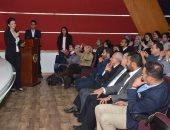 عمرو خليل ومحمد عبده ينقلان تجاربهما وخبراتهما لطلاب إعلام جامعة مصر