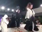 أول عرض أزياء نسائى بالرياض يثير الجدل بين السعوديين