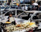 فنانة تشكيلية يمنية ترسم جداريات تضامنية مع ضحايا الصراع فى اليمن