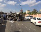 """مصرع شخص وإصابة 6 آخرين فى حادث انقلاب سيارة نقل بطريق """"الزعفرانة - غارب"""""""