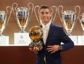 """رونالدو """"ملك"""" النهائيات بـ18 هدفا قبل قمة ليفربول الأوروبية.. فيديو"""