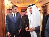"""صور.. أحمد أبو هشيمة يلتقى الأمير سلطان بن سلمان على هامش أمسية """"رياض النيل"""""""