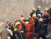 الحماية المدنية بالإسكندرية تنجح فى إنقاذ عامل بمطعم من تحت الأنقاض